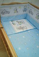 """Детский постельный комплект с защитой """"Мишки игрушки голубой"""""""