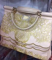 Женская сумка реплика Dolce & Gabbana материал эко кожа с вышивкой. Молочный цвет