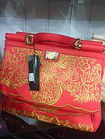 Женская сумка реплика Dolce & Gabbana материал эко кожа с вышивкой. Красный цвет