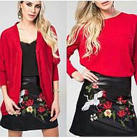 Чёрная кожаная юбка с вышивкой цветов
