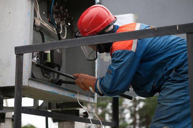Постачання енергетичної галузі електротехнічними матеріалами.