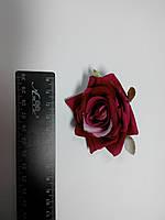 Роза темно красная