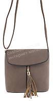Удобная прочная вместительная женская сумочка почтальенка с эко кожи art. 8302 кофе с молоком