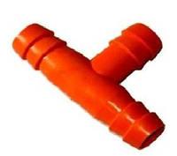 Тройник для соединения шлангов в микрочашечных и ниппельных поилках