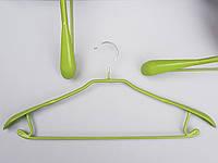 Плечики вешалки тремпеля металлический в силиконовом покрытии широкий салатового цвета , длина 44 см