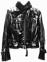 Кожаная женская куртка короткая черная лаковая