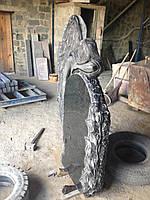 """Памятник из гранита на могилу """"Скорбящий ангел"""", фото 1"""