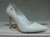 Кожаные женские модельные туфли на шпильке.р36-39.Украина.