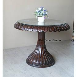 Журнальный столик со стеклянной столешницей, ладони