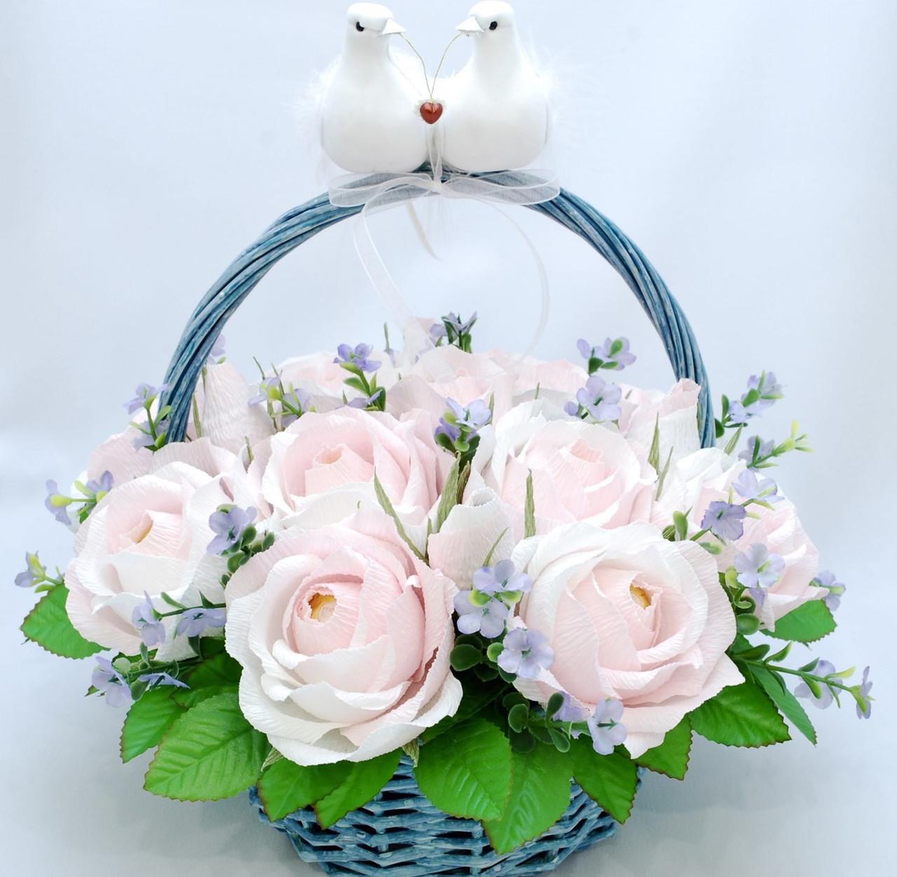 Корзина цветов из конфет Ферреро Роше