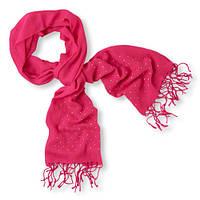 Розовый шарф демисезонный