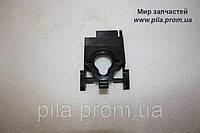 Держатель колена карбюратора для Dolmar PS 34, PS 36, PS 41, PS 42.