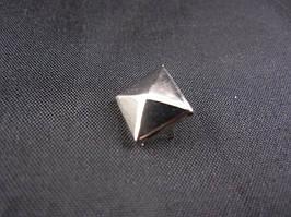 Заклёпка - пирамидка (3000 штук в упаковке)