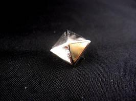 Заклёпка - пирамидка (2000 штук в упаковке)