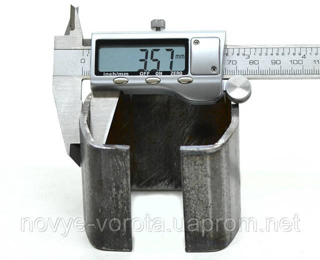 Измерение толщины металла направляющего рельса.