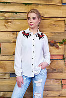 Шифоновая блузка с вышитыми розами