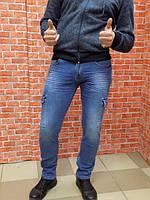Молодежные мужские джинсы