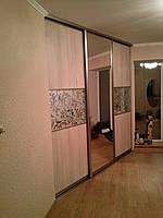 Гардеробна кімната з діагональною роздвижною