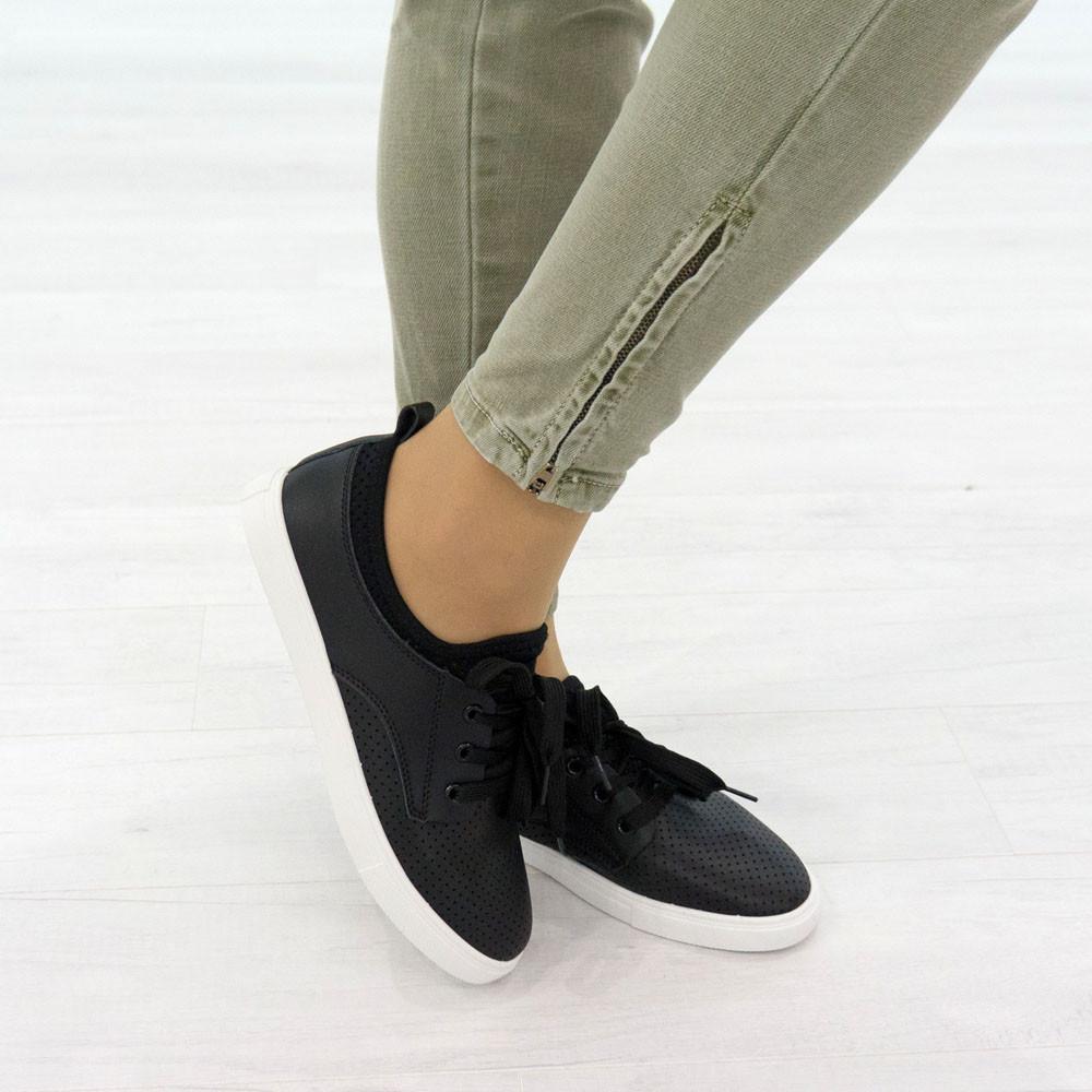 Кеды из искусственной кожи на шнуровке (О-775)