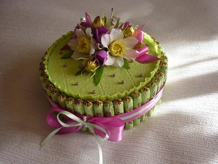 """Конфетный тортик """"С сюрпризом"""""""