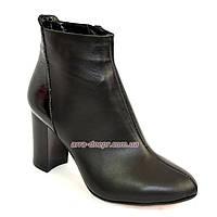 Женские зимние ботинки из натуральной кожи на устойчивом каблуке.