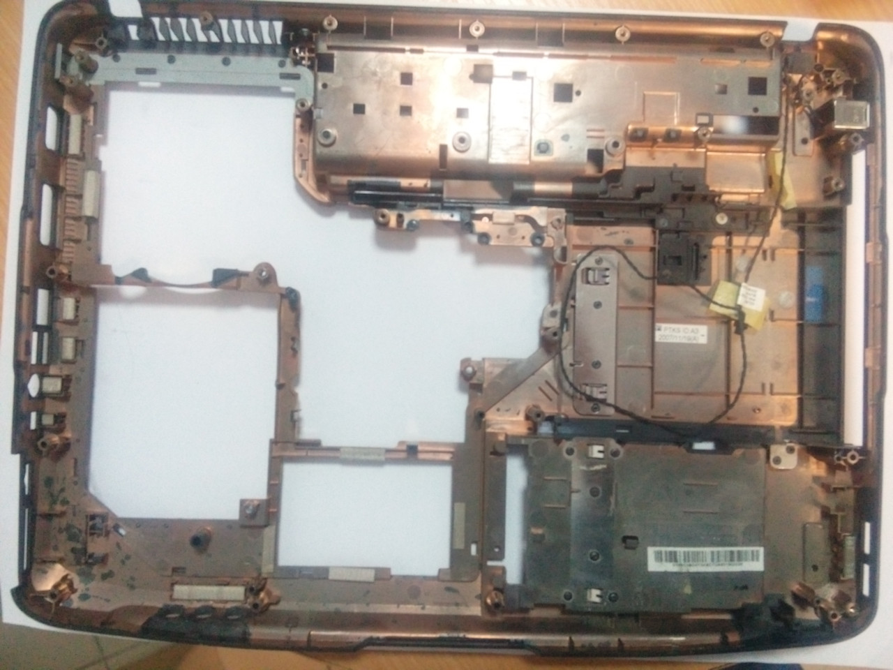 Нижня частина корпусу (дно) Acer Aspire 5520 AP01K000E00