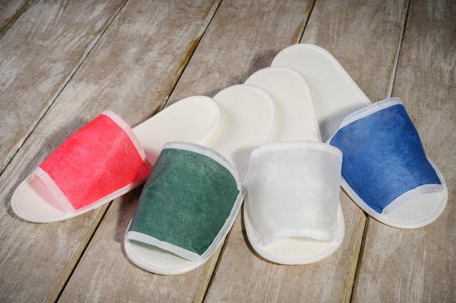 Тапочки для бани и сауны EURO TEXTILE красные, флизелиновые