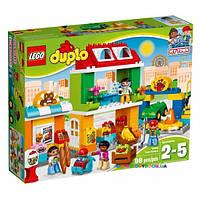 Конструктор Lego Городская площадь 10836