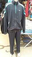 Модный мужской спортивный костюм в расцветках