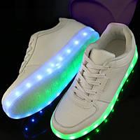 Дорослі світяться кросівки LED низькі білі
