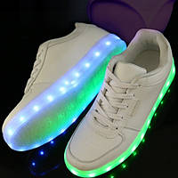 Взрослые светящиеся кроссовки LED низкие белые