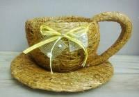 Чашка средняя коричневая из сена.
