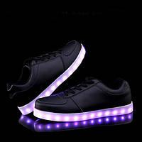 Взрослые светящиеся кроссовки LED низкие черные