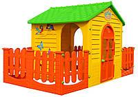 Пластиковий дитячий будиночок з огорожою