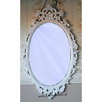 Белое зеркало с элементами ручной резьбы