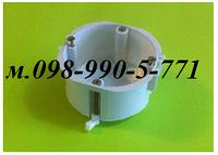 Установочные коробки (подрозетники) под гипсокартон или в полые стены с пластиковыми лапками.