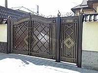 """Кованые ворота с калиткой. Замок в калитку в подарок. Покраска супер эмалью """"Снежка"""". Патирование золотом."""