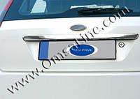 Накладка над номером на крышку багажника Ford Fiesta (2002+)