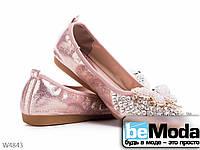 Стильные балетки женские Girnaive Pink из текстиля с декоративными камнями и украшениями на носке розовые