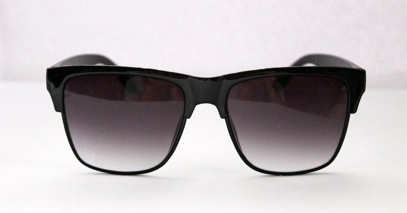 Оригинальные солнцезащитные очки для мужчин