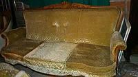Мягкий комплект на дубовом  резном каркасе в стиле барокко, б/у. 3+1+1 (кресла папа и мама)