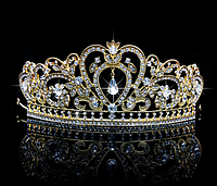 Диадема, корона золотая