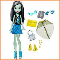 Кукла Монстр Хай Фрэнки Штейн Monster High Frankie Stein Day-To-Night Fashions