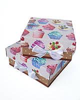 Маленькие квадратные подарочные коробки ручной работы с принтом из кексиков