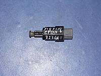 Выключатель фонаря сигнала торможения GA2A-66-490A Mazda 323 c ba