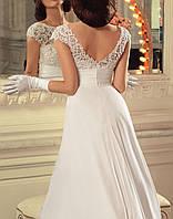 Красивое длинное свадебное платье А-силуэта с кружевным верхом СВ-91466