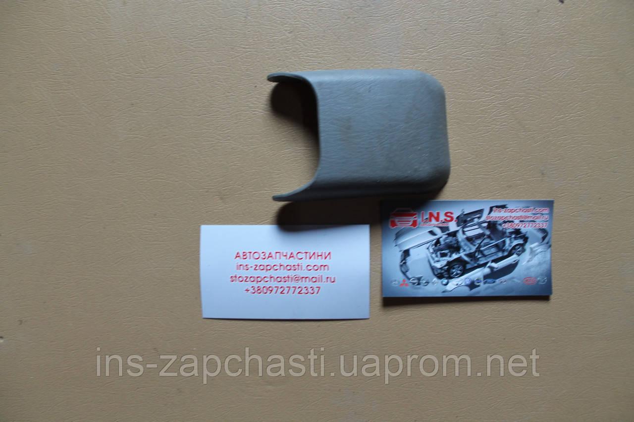 Декоративна заглушка для сидіння C100-57-053 mazda premacy 98-04