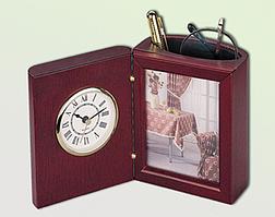 Наст. прилад (годинник, фоторамка), черв. дер.0056XJU