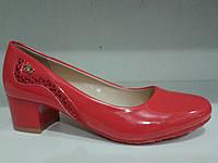 Красные женские туфли на невысоком каблуке.р.36-41.