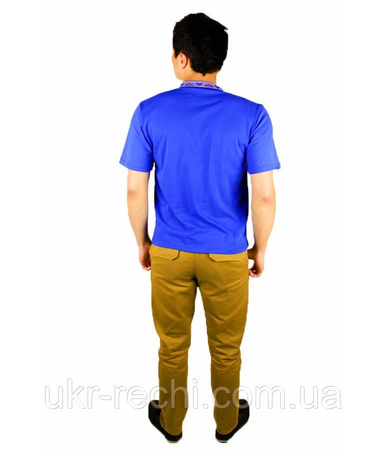 Синя футболка з червоною вишивкою хрестиком.«Народна